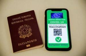 Ricostruzione grafica del Green pass, il certificato digitale Covid dell'Ue